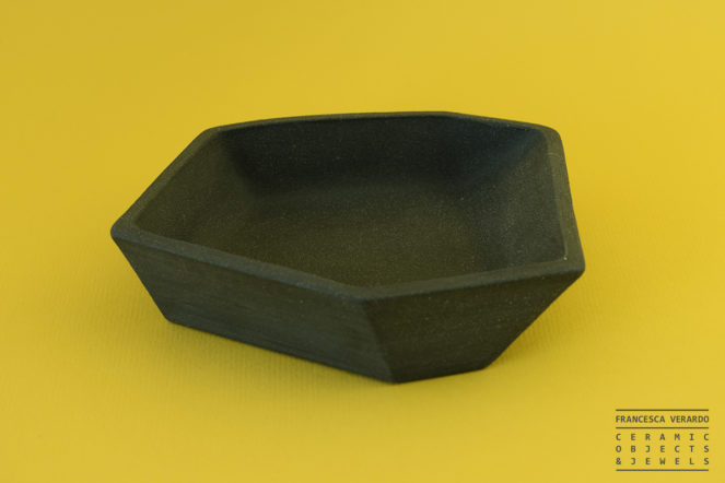 Black ceramic plate for home decor